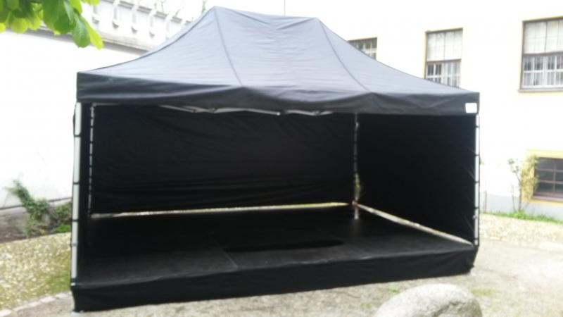 Bühne 6x4m mit Pavilliondach